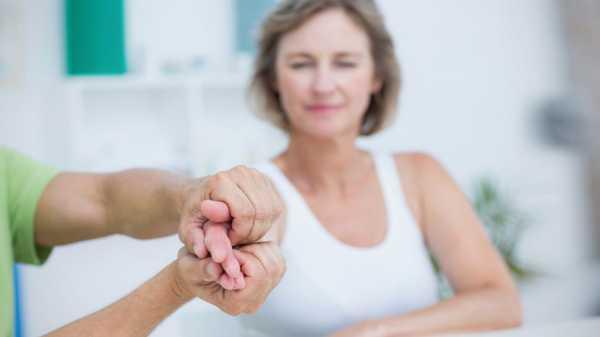 Причины тремора рук у молодых женщин